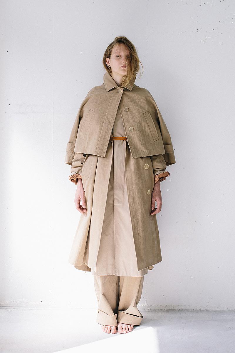 soutien collar coat / trench coat / short soutien collar jacket / wide chino pants