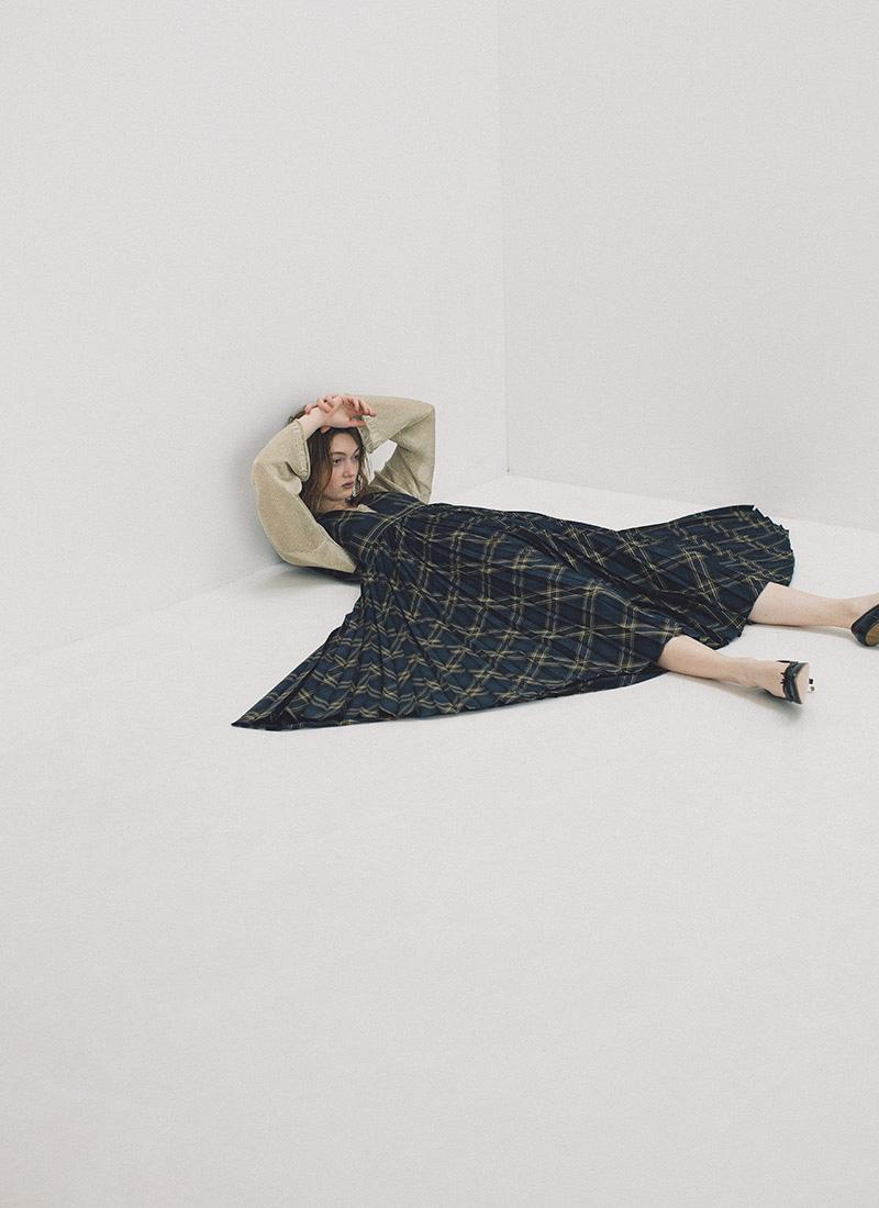 gold knit / check pleats dress