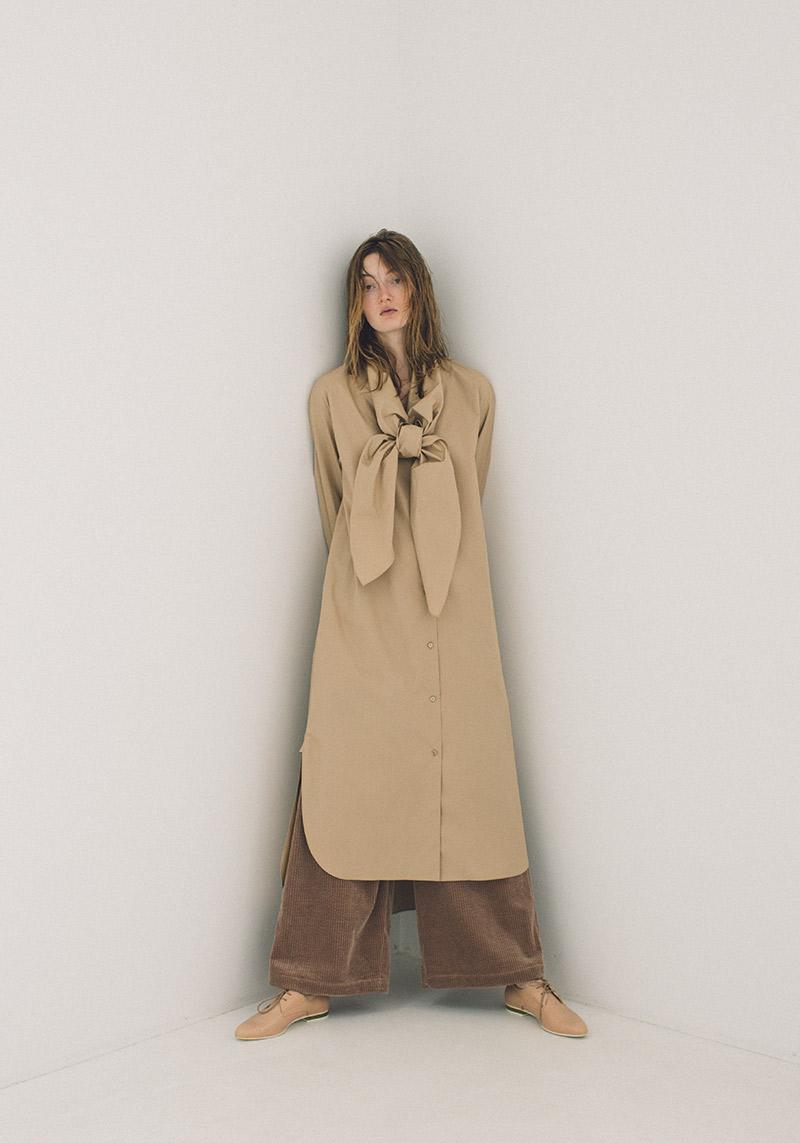 scarf shirts dress / corduroy pants