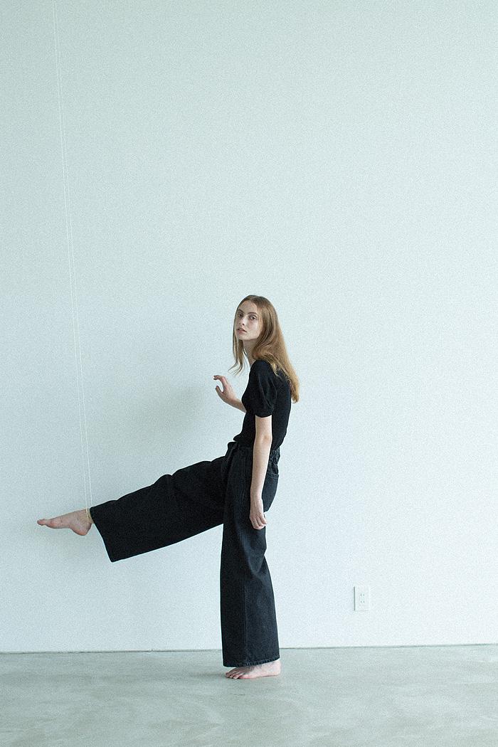 knit / black denim
